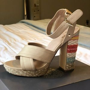 Super cute and comfortable summer platforms!